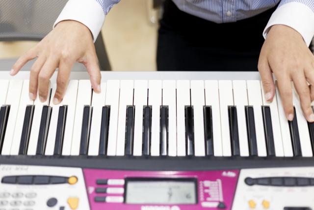 """認知症患者へ音楽で刺激を与える""""音楽療法""""アプリを使ってみた・音楽で過去の記憶を取り戻す"""